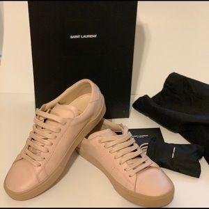 Stunning light pink leather saint Laurent sneaker